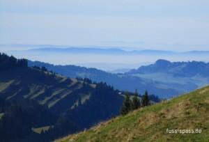 Das Alpenvorland im Dunst